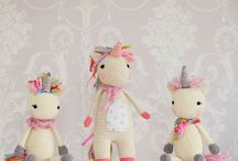Crochet Amigurumi Free Patterns / Free amigurumi patterns, all photos have links to the free patterns! For those who love free crochet toys and amigurumi patterns! See more https://www.crochetkingdom.com/category/amigurumi/