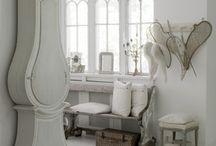 Clock dining room