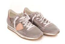 Women's / Shoes