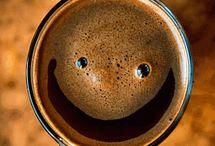 Kávé, torta, süti, desszert / Egy jó kávézó vagy cukrászda kincset ér.