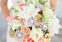 Beautiful Bouquets! / Gorgeous bridal bouquets / by Carole Lesly
