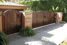 Porți din Lemn