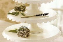Cake Stands / by Célia Mbp