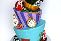Alice in Wonderland Cakes, cupcakes and cookies