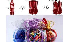 DIY: plástico, latas y chapas / ¿Qué puedes reciclar? Popotes o pajitas, tapones, botellas, envases, latas, chapas, botes de refresco, tetrabriks, cubiertos de plástico, cápsulas de kinder, envases de danones...¡¡todo lo que sea de chapa o plástico!!