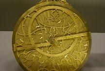 Musée des Arts et Métiers Paris - collection d'horlogerie / Ce musée sur l'ensemble des techniques, sciences et ingénieuries, présente une très belle collection de montre et de mécanismes horlogers.