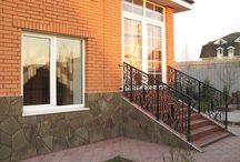 Балкон  и крылечко / Клиенты остались очень довольны. Как Вам?