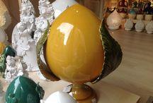 Pomi e Pigne / Oggetti in ceramica della tradizione Salentina, che raffigurano il bocciolo del fiore, simbolo di prosperità e fortuna.
