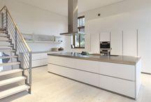 bulthaup b1 - keuken puur / Een puristisch minimalistische keuken die zich onderscheidt door zijn ingetogen strakheid.