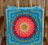 crochet omhaakte jute tassen / Verschillende ideeen voor het omhaken van verschillende maten jute tassen