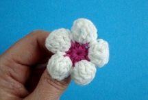 Crochet flores y hojas