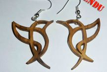 Mes Boucles d'Oreilles / My Earrings / Produits réalises sur mesure /  Customized products                Bois non traité / Untreated wood