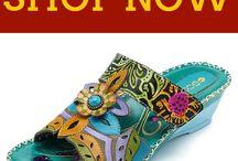 sandália em couro colorido