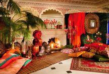 World interiors & houses/Maisons du monde / Travelers at home, world home | Voyageurs a la maison, maisons du monde