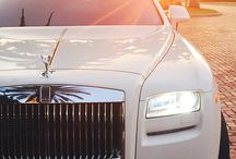 Rolls Royce / British car-manufacturing and luxury at its finest
