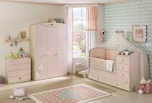 Ροζ βρεφικό δωμάτιο