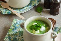 Suppe Rezepte / Du bist auf der Suchen nach leckeren, einfachen Suppenrezepten? Hier findest du gesunde Suppen, vegetarische Suppen, schnelle Suppen und vieles mehr.