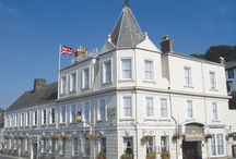 The Royal, Bideford, North Devon. 3 Star / Standing at the eastern end of the historic Bideford Bridge and with views across the River Torridge, the Royal has gained an unrivalled reputation as Bideford's finest hotel. As soon as you step inside this unique luxury hotel, you will enter a world of traditional comfort, combined with modern amenities and first class service. The elegant and warm surroundings make the Royal a truly special place where you can really relax and unwind.