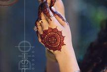 Henna & Mehandi on Hand