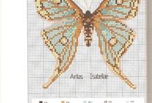 Keresztszemes minták: pillangók