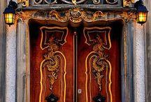 Двери, окна, архитектура