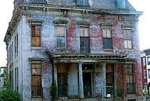 H ♥ House / Maison / « Choisir ses voisins est plus important que choisir sa maison. » de Proverbe chinois / by Marie-Josee B