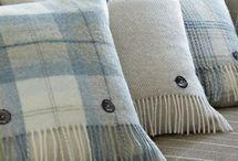 cushions/scarf