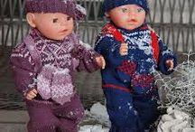 Dolls kniting