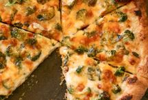 Pizza / by Janet Salonen