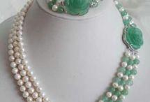 necklece with stones