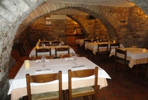 Magadins Vell / Magadins Vell ubicat en una masia del XV , on oferim una cuina casolana amb qualitat , productes del territori amb un  ambient acullidor i tracte familíar.