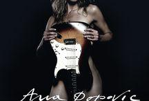 Femei chitariste celebre - Famous guitarist women