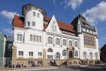 Die Celler Altstadt / Celle gilt als südliches Tor zur Lüneburger Heide und ist eine Stadt mit einer pittoresken Altstadt mit über 400 Fachwerkhäusern und einem Schloss im Stil der Renaissance und des Barocks. / by Celle Tourismus und Marketing GmbH