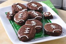 Superbowl/Tailgating Recipes / Fun foods and ideas for tailgating and a Super Bowl party.