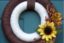 Fall Wreaths / Welcome the autumn with a beautiful wreath!