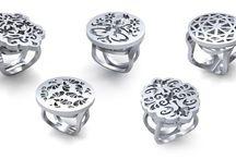 UNUE / Colección de anillos con microcalados. Baño de Plata. Acabado brillo + textura. Diseño y fabricación Nuria Parrado Sarandeses.
