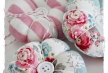 pincushions / Pretty, shabby chic, handmade