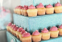 Cupcakes / by Phoebe Mae