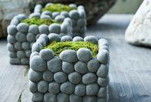 macetero con piedras