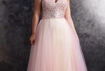 Plus Size Prom Dresses & Formalwear