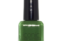 NOT uR DAME-Iconic Luxury Nail Colour  / Kelly green from the collection Parisian Socialite.