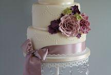 English Style Wedding Cakes / by Ana Jiménez