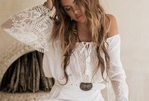 fehér ruhák