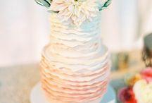 Wedding Cakes / Beautiful Wedding Cakes / by Vanessa Howard