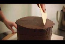 Sharp cake edges
