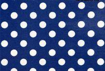 Telas impermeables (ES) / Hechos a mano, de alta calidad, colores brillantes y diseños divertidos. Nuestros laminados americanos y japoneses llaman mucho la atención y son un material interesante para hacer mantelería, chubasqueros, fundas de cojín y otras manualidades. http://www.modes4u.com/es/cute/c226_Laminados.html