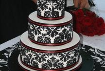 wedding cakes / by Madeline Mott
