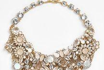 aksesoris dan perhiasan