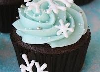 Christmas Cupcakes / by Alicia Andriashyk