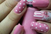 Rózsaszín Körmök
